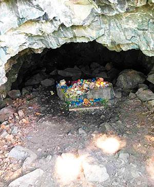 Пещера Эхын Умай Чрево Матери в Алханае Забайкалье