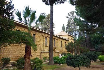Внутренний дворик археологического музея в Никосии