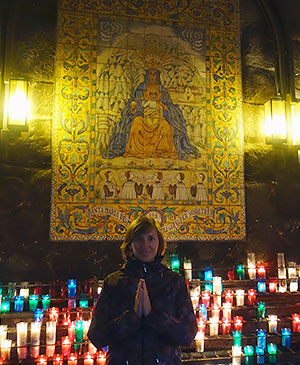 Керамическая икона Черной Мадонны в монастыре Монсеррат, Испания