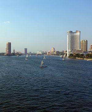 Панорама Каира, расположившегося в дельте реки Нил - колыбели древнеегипетской цивилизации