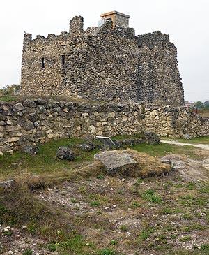 Главная крепость позднескифского царства Неаполь Скифский Симферополь